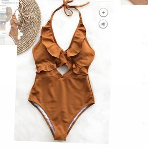 NWT Cupshe one piece bathing suit